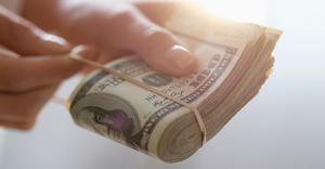 Депозит в долларах — какой банк стоит выбрать?